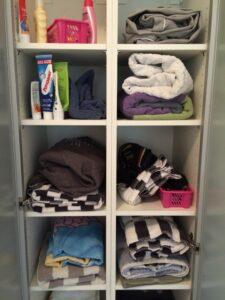 rensa handduksskåp